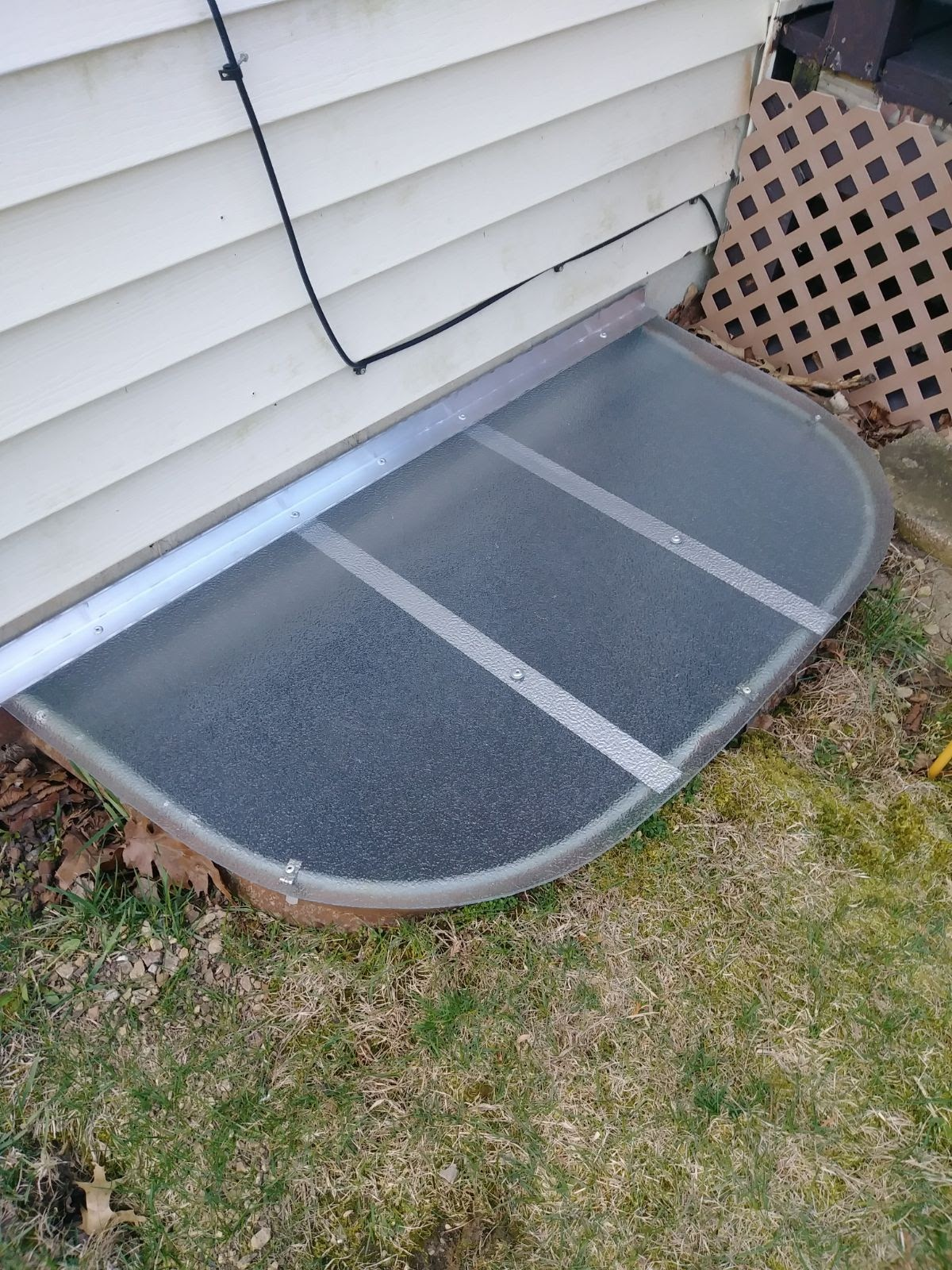 Northfield, IL-HandyManny Custom Window Well Covers