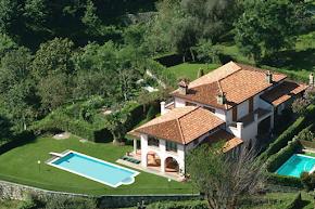 Beautiful, Spacious Modern villa with fantastic panoramic Lake Views in como