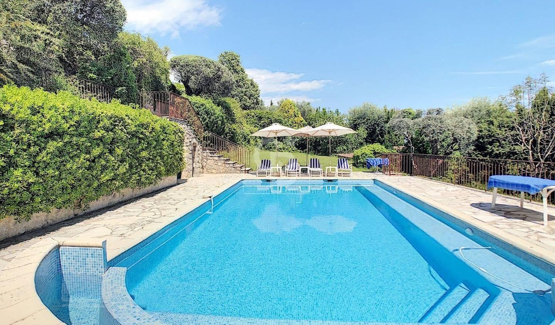 Maison avec piscine et jardin Spéracèdes