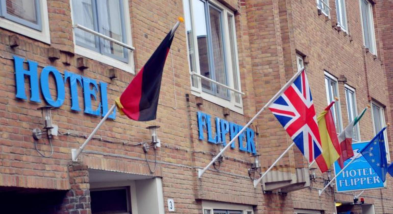 Budget Hotel Flipper
