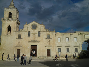 Photo: Matera Duomo - it looks new, but the oldest part of the church was preserved and if you go into a corner of the church, you can see the remains (which are pretty spectacular) - they date from the 1200s or 1300s.