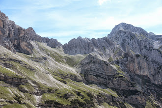 Photo: Sentiero 320 e Forcolota Noghera