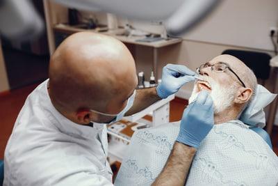 Bọc răng sứ  ở đâu tốt?