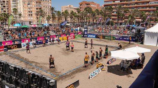 Almería vibra con el Torneo Arena 1000 de balonmano playa