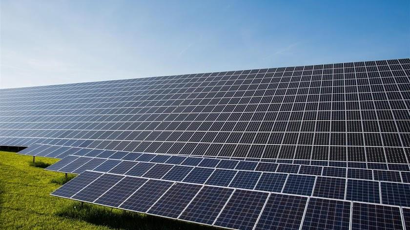 Parque solar fotovoltaico, en una foto de archivo.