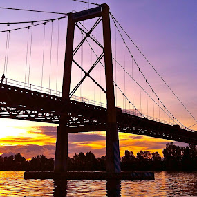 Sunset in Barito Bridge by Raja Lazuardi - Instagram & Mobile iPhone