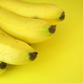Yellow in the Yellow by Vindy Anddie - Food & Drink Fruits & Vegetables ( banana, color, bananas, fruits, yellow,  )