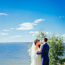Wedding photographer Angelina Stebikhova (FAMILIA). Photo of 28.11.2015