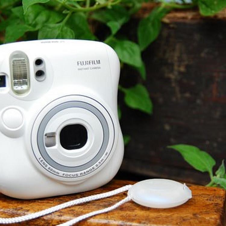 Fujifilm Instax Camera - Instax Mini 25 [WHITE] by My Pocket Net Sdn Bhd