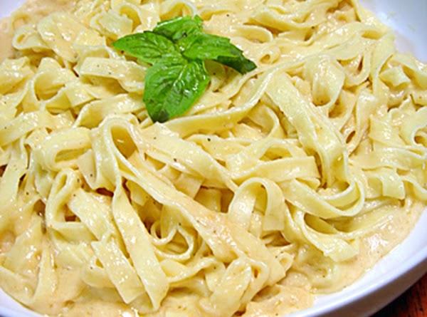 Quick And Easy Fettucine Alfredo Recipe