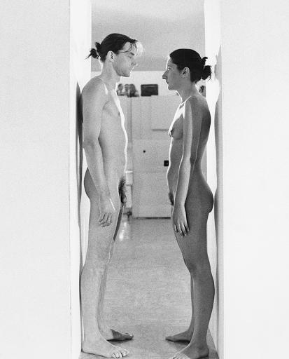 Imponderabilia Marina Abramovic Ulay Bologne 1977