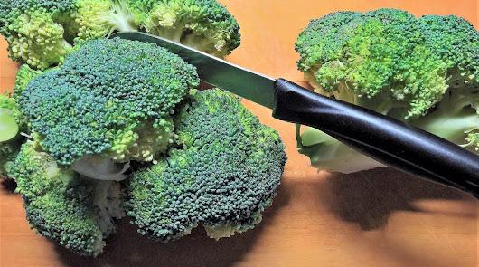 Caballa al horno con patatas y verduras y cous cous de brócoli