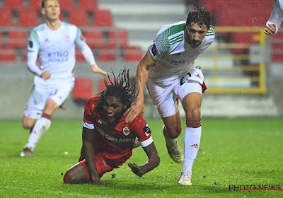 🎥 Had Antwerp geen strafschop moeten krijgen voor deze fout op Mbokani?