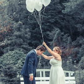 by Radosław Jankowski - Wedding Bride & Groom