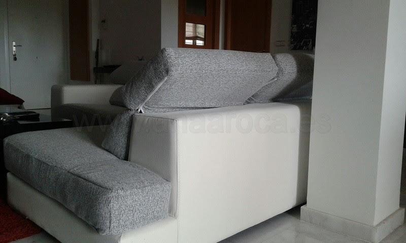 Sofá chaiselongue con cabezales abatibles