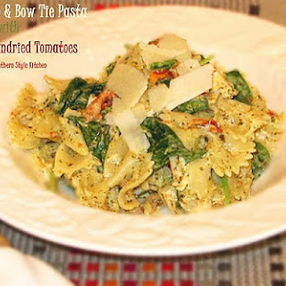 Pesto Chicken & Bow Tie Pasta with Spinach and Sundried Tomatoes Recipe