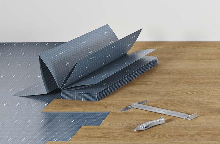 Obok montażu paneli winylowych w systemie podłogi pływającej, można zastosować również metodę klejenia.