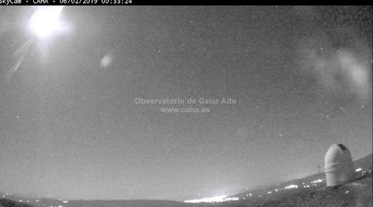 Una brillante bola de fuego a 72.000km/h sobre la costa este de Almería