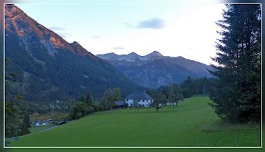 """Photo: links die Steile Ostflanke des Ostrawitz, gerade aus die """"Hupferl"""" mit dem Kl. Priel"""