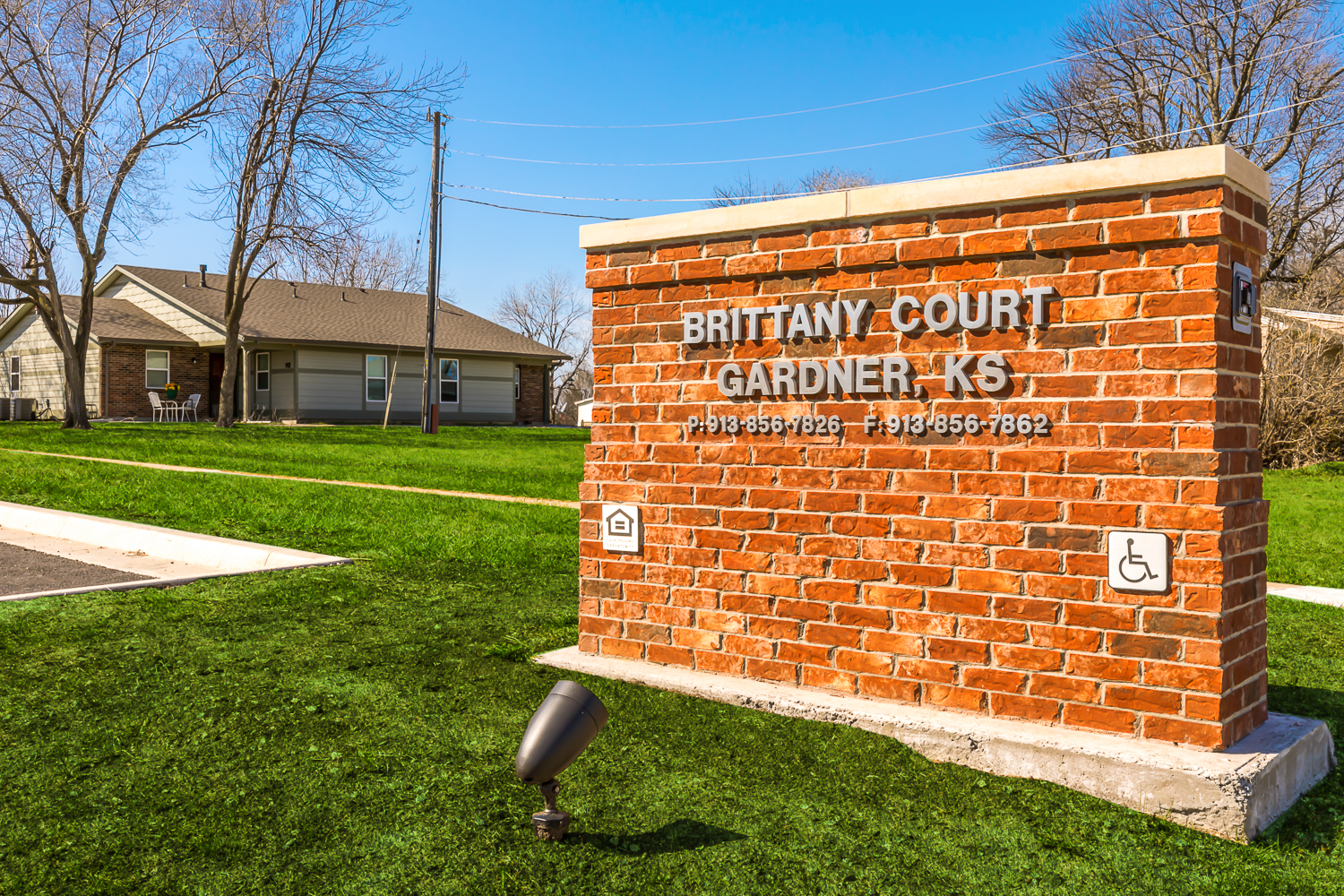 Brittany Court Apartments In Gardner Kansas The Yarco Companies
