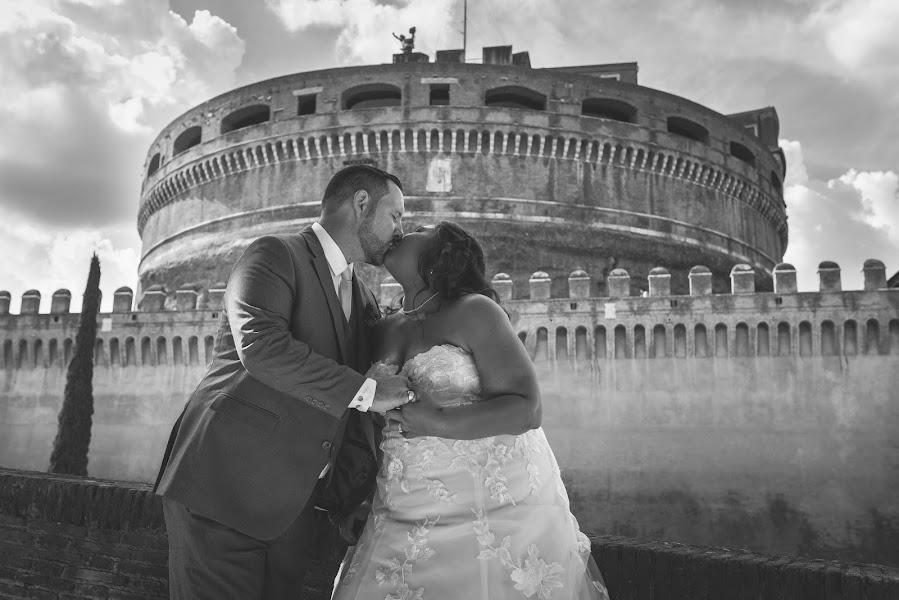 Fotografo di matrimoni Luca Caparrelli (LucaCaparrelli). Foto del 17.03.2018