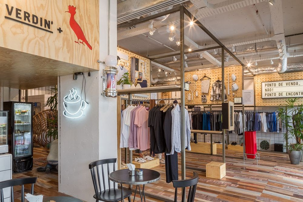 Thiết kế shop thời trang kết hợp quán cafe - thiết kế shop quần áo 4