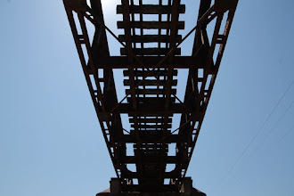 Photo: bajo el puente