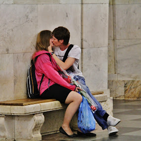 Love @ Moscow Metro by João Branquinho - People Couples ( love, passenger, subway, moscovo, russia, metro, moscow, underground )