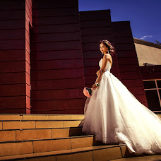 Wedding photographer Elvina Zabirova (elvina1995). Photo of 02.04.2017