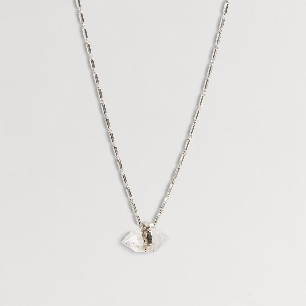 Cornelia Webb, halsband i sterling silver & bergkristall