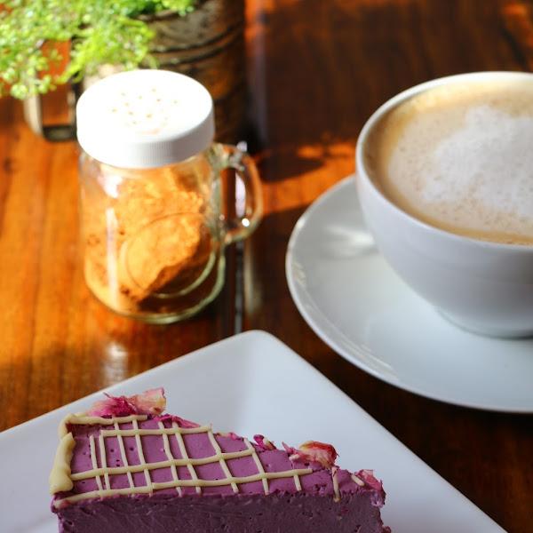 Raw Cheesecakes (and Cinnamon Vanilla Latte made with homemade almond milk)