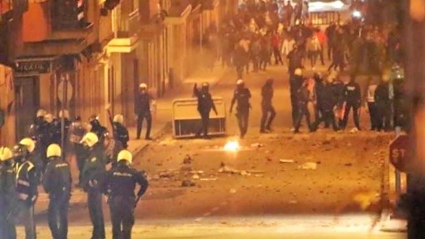 Disturbios en Linares. Imagen cedida por El Observador Comarca.