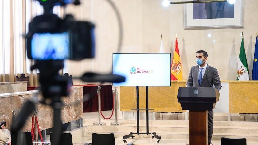 Ramón Fernández-Pacheco durante una intervención