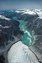 Photo: Desembocadura del valle glacial en un fiordo