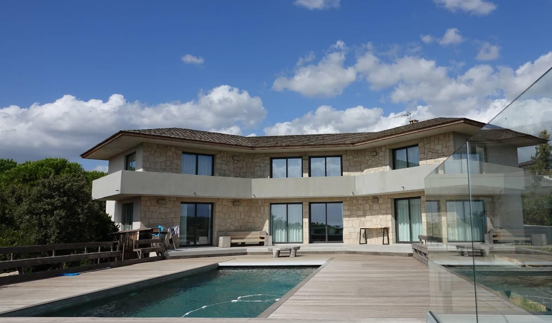 Seaside property with pool Pianottoli-Caldarello