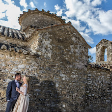 Wedding photographer Kostas Mathioulakis (Mathioulakis). Photo of 02.04.2018