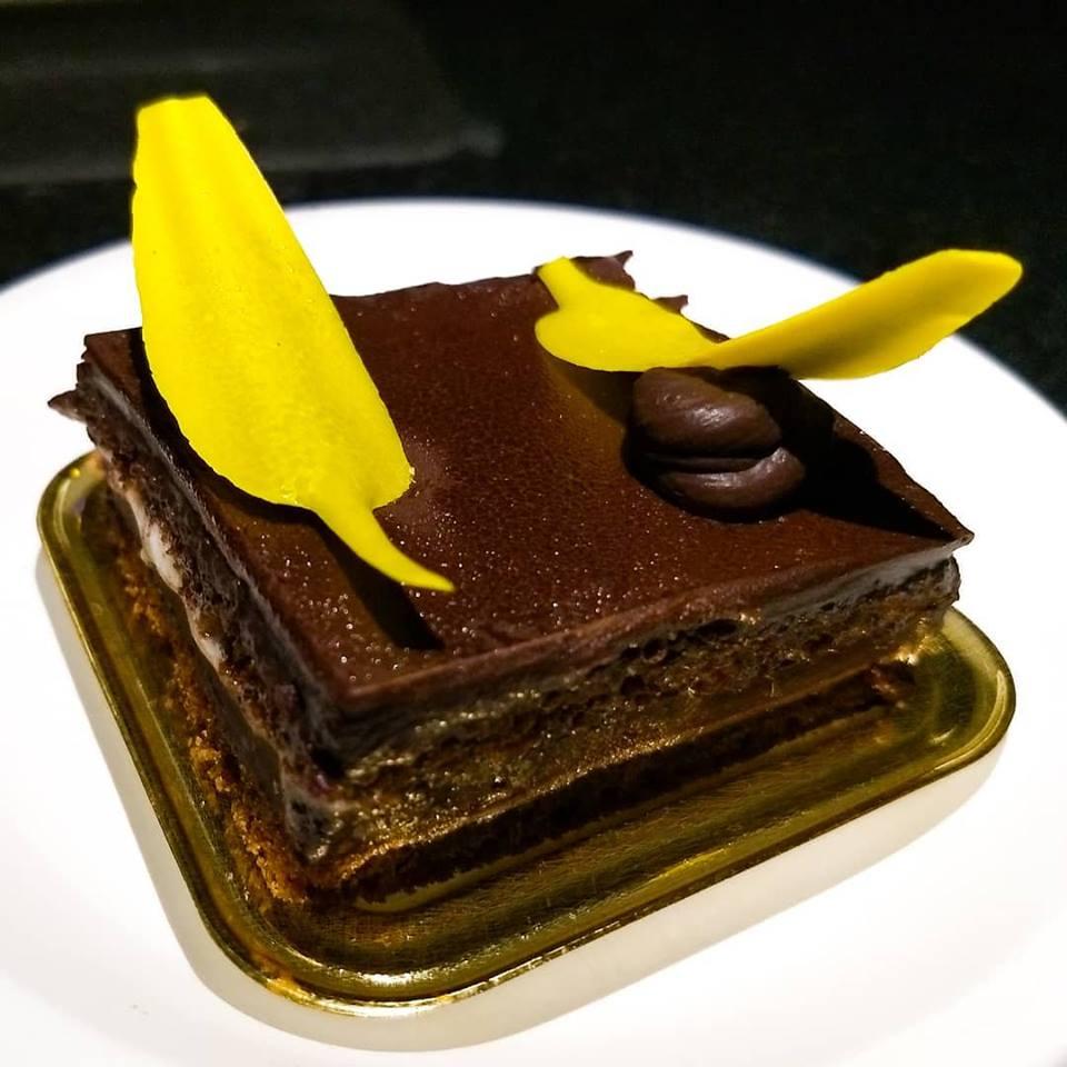 best-cake-shops-mumbai-theobroma_image