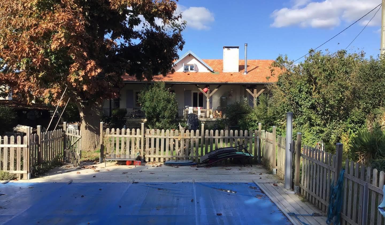 Maison avec piscine et jardin La Réole