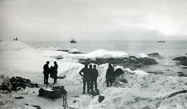 Photo: a punto de ser rescatados después de 22 meses: 30 agosto 1916