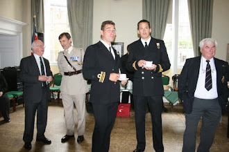 Photo: RAISING THE FLAG IN SUPPORT OF ARMED FORCES DAY - 22 JUNE 2009