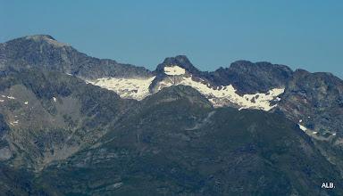Photo: El pico entre glaciares.