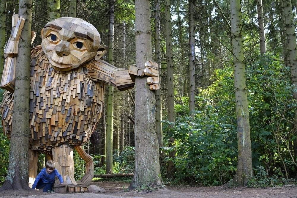 Os gigantes esquecidos de Thomas Dambo