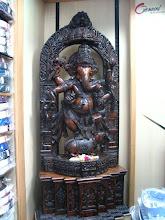 Photo: 7B120012 Hyderabad - Ganesz w sklepie