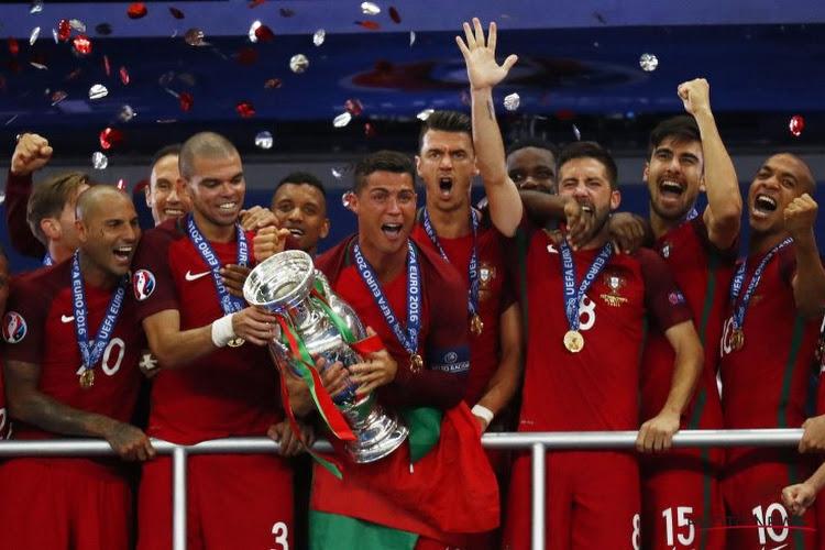 De retour au Pays, Ronaldo et compagnie sont accueillis en héros ! (vidéo)
