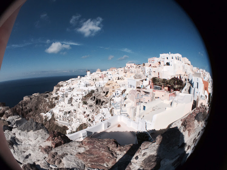 And a shot of the same view using Olloclip's wide-angle lens.