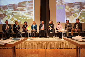 "Photo: Final panel discussion - ""Communicating Science & Innovations""- 2012: M. Cleassens, M. Satherstrom, N. Buitelaar, A. Gravier, H. Kunz, J. Gillies, H. Yokoyama, E. Kuznetsov, S. Naumov"