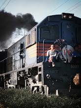 Photo: ちと仮眠・・・goodnight all~♪  Photo at Philippines 日本からのおさがりの電車 日本だと ここに乗ると たぶん怒られるね  であであ