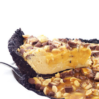 Snickers Peanut Butter Oreo Pie