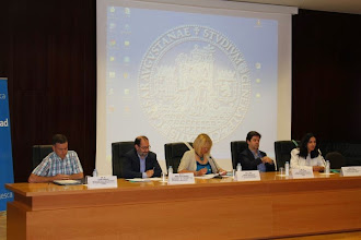 Photo: Mesa inaugural. Luis Cuello (IASS), José Luis Laguna (CADIS Huesca), Pilar Zaragoza (Universidad de Zaragoza), Luis Felipe (DPH), Raquel Bolea (Obra social CAI)