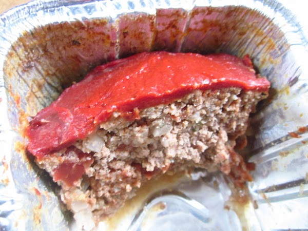 I recommend serving this meatloaf with mashed potatoes.  Wrap celophane over cooled loaf...